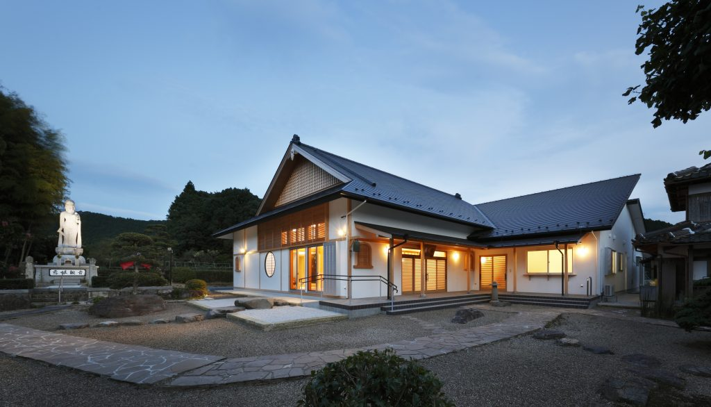 慈眼山 済納寺